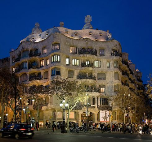 casa mila pedrera gaudi barcelona